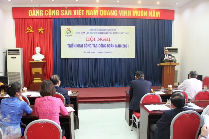 Trung uong Lien hiep cac Hoi Khoa hoc va Ky thuat Viet Nam va co quan VUSTA