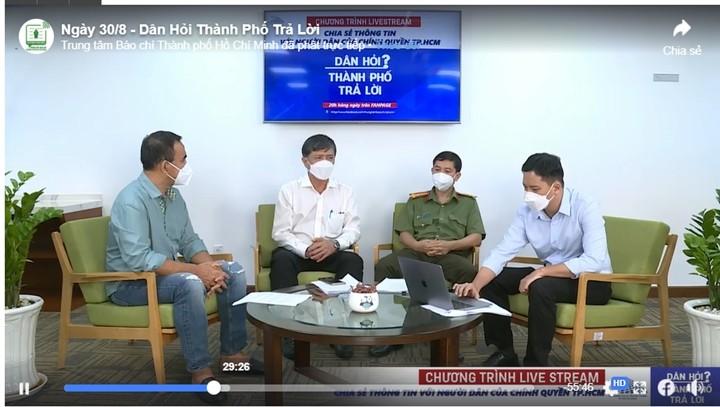 Truong ngoai cong lap tang hoc phi mua COVID-19: