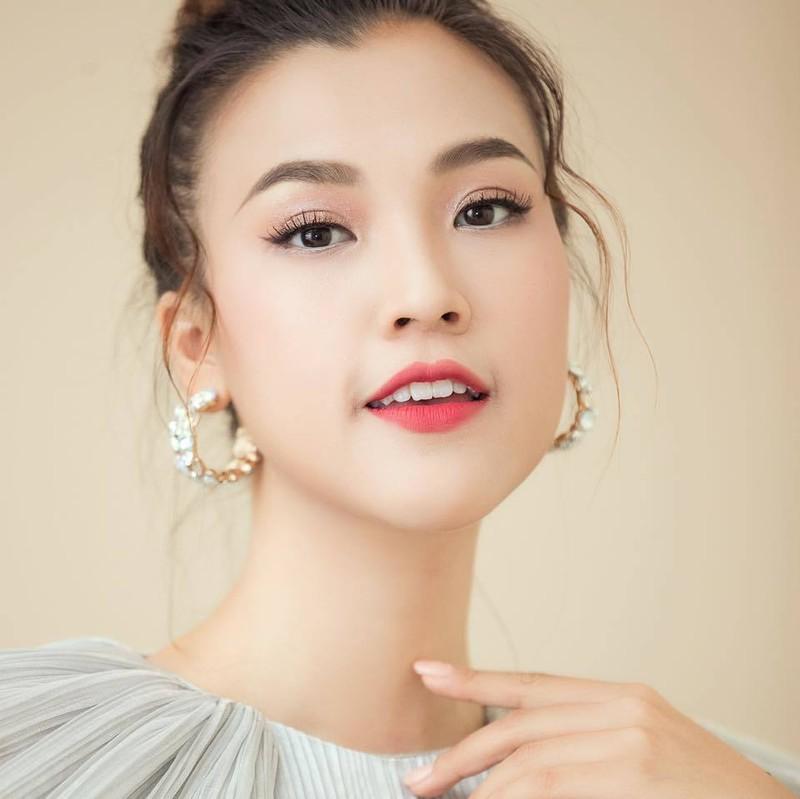Ban gai Huynh Anh len tieng khang dinh khong phai nguoi thu ba