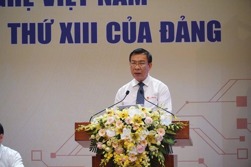 Gom Dat Viet Quang Ninh vuot kho nho dong luc sang tao cua Quy VIFOTEC