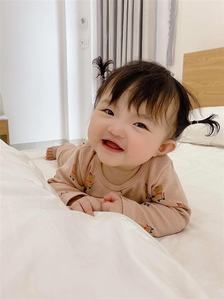 Ong Cao Thang roi hoi 'chi follow minh em', co gai thu 2 la ai?-Hinh-8