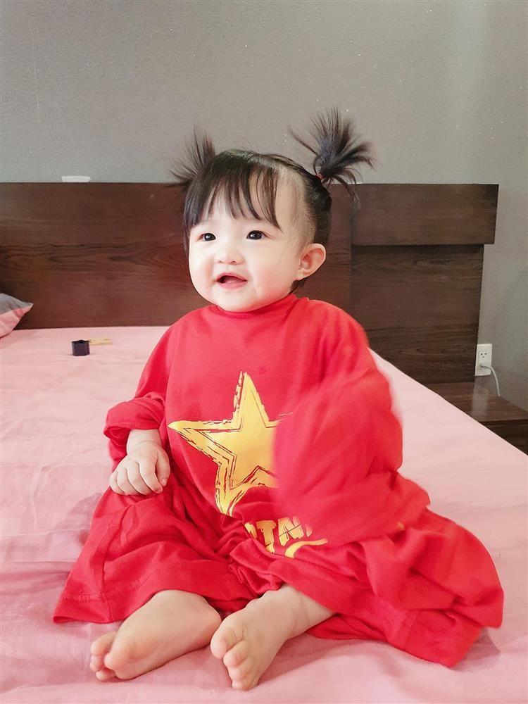 Ong Cao Thang roi hoi 'chi follow minh em', co gai thu 2 la ai?-Hinh-9