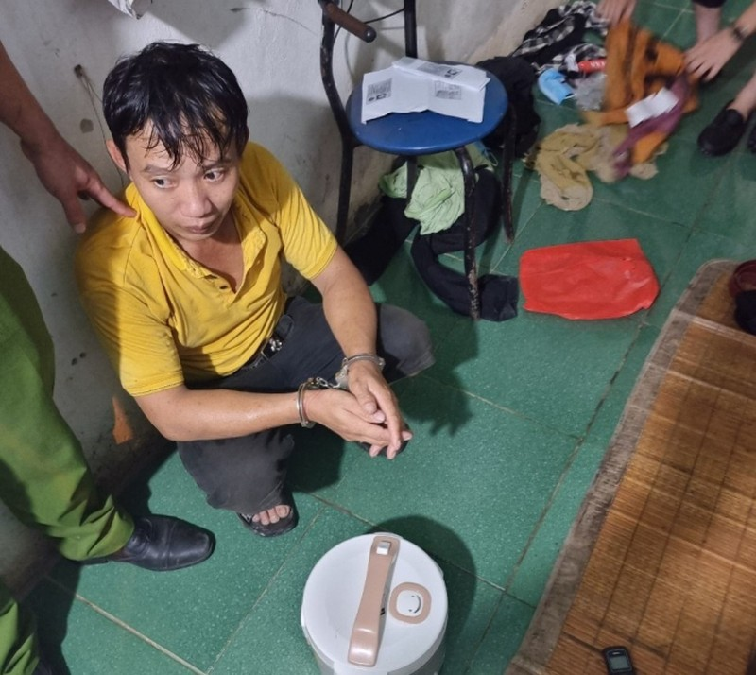 Quang Ninh: Dap dau nguoi di duong, cuop tai san