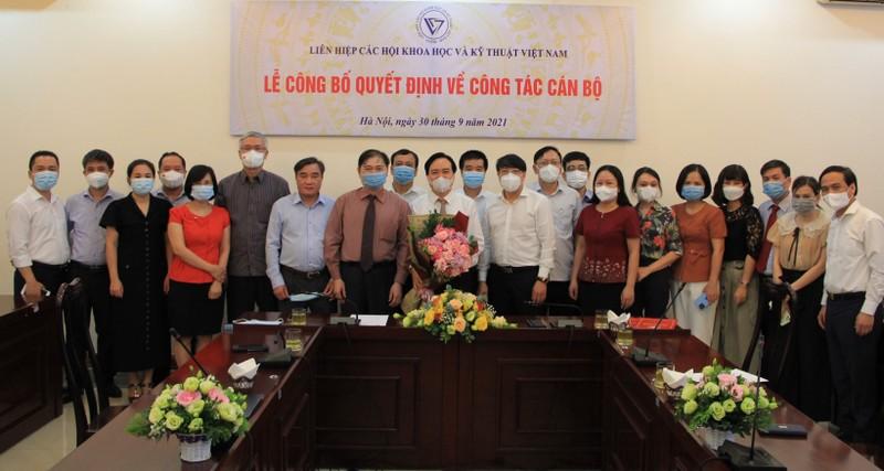 Ong Phung Xuan Nha kiem nhiem chuc Pho Chu tich VUSTA-Hinh-2
