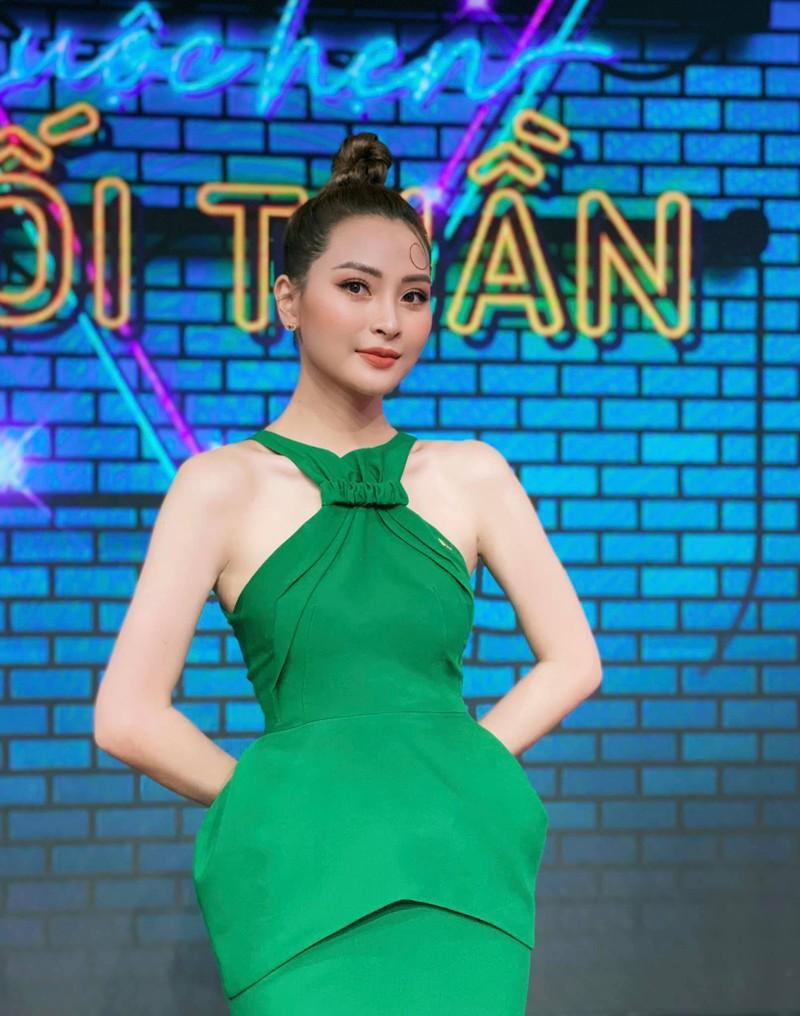 Nhan sac MC VTV trong '11 thang 5 ngay'-Hinh-3