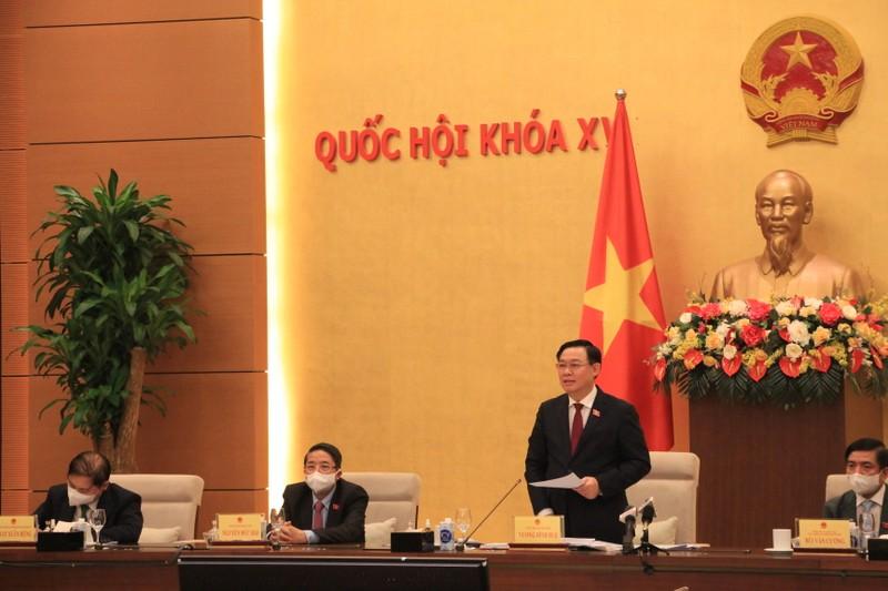 """Chu tich Quoc hoi: """"Doanh nhan, doanh nghiep phat huy tinh than dan toc"""""""