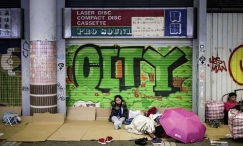 Gan 50% osin nhap cu o Hong Kong ngu trong toilet
