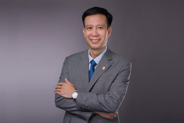 Chan dung tan Chu tich Hoi dong truong Dai hoc Bach khoa Ha Noi