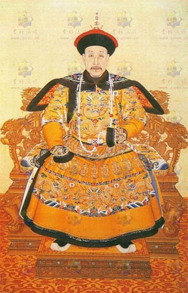 """Tham cung"" ve hoang de Khang Hy: Lay co ruot lam vo"