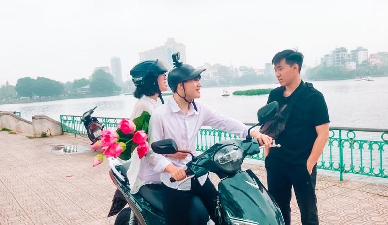 "Quan quan ""Khong di xa thi ta di gan"": ""Lam du khach tai chinh que minh!""-Hinh-5"