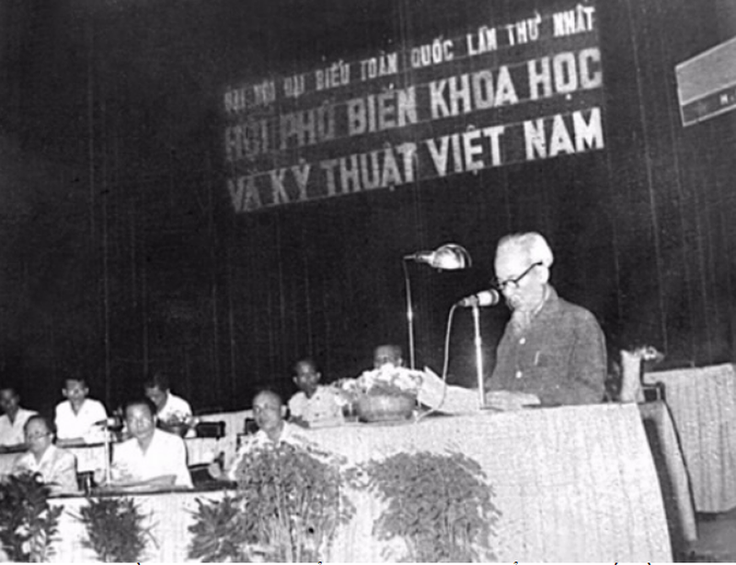 Chu tich Ho Chi Minh luon coi KHCN la nguon luc manh me cua cach mang