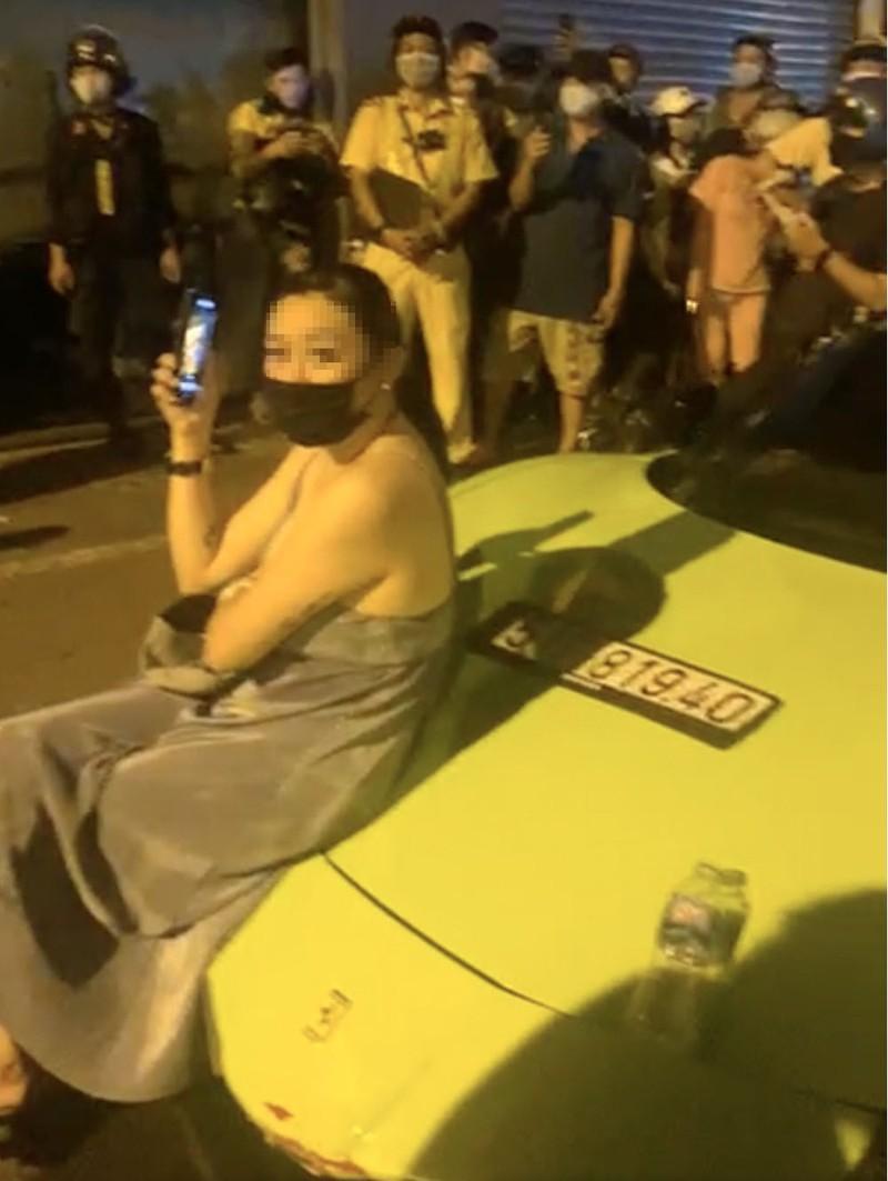 Quan 8 khoi to tai xe Ferrari toi chong nguoi thi hanh cong vu-Hinh-4