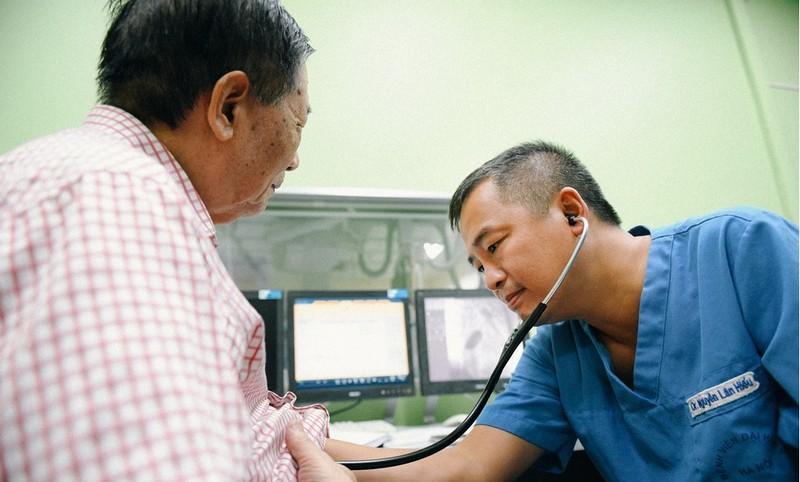 Lang nghe dai bieu Quoc hoi Nguyen Lan Hieu ke Cau chuyen tu trai tim-Hinh-9
