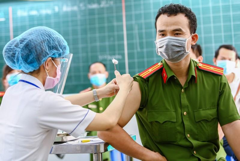 Bo Y te phan bo gan 3 trieu lieu vaccine AstraZeneca