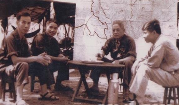 """Top bac si quan y huyen thoai Viet Nam: """"Chuyen gia dap dich"""" Bui Dai"""