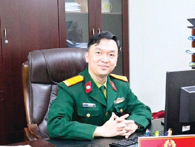 "Top bac si quan y huyen thoai Viet Nam: Nguoi ""san tim"" virus Corona Ho Anh Son"