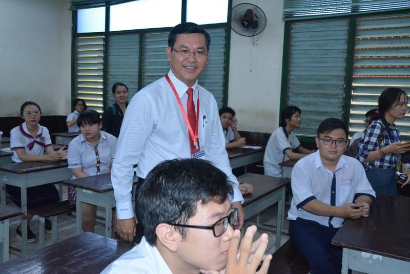 Ky thi THPT quoc gia 2019: TP HCM co gan 1.000 thi sinh bo thi ngay dau-Hinh-2