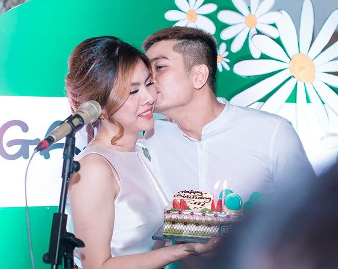 Chong dai gia cua Van Trang noi dieu bat ngo nay trong sinh nhat vo-Hinh-2