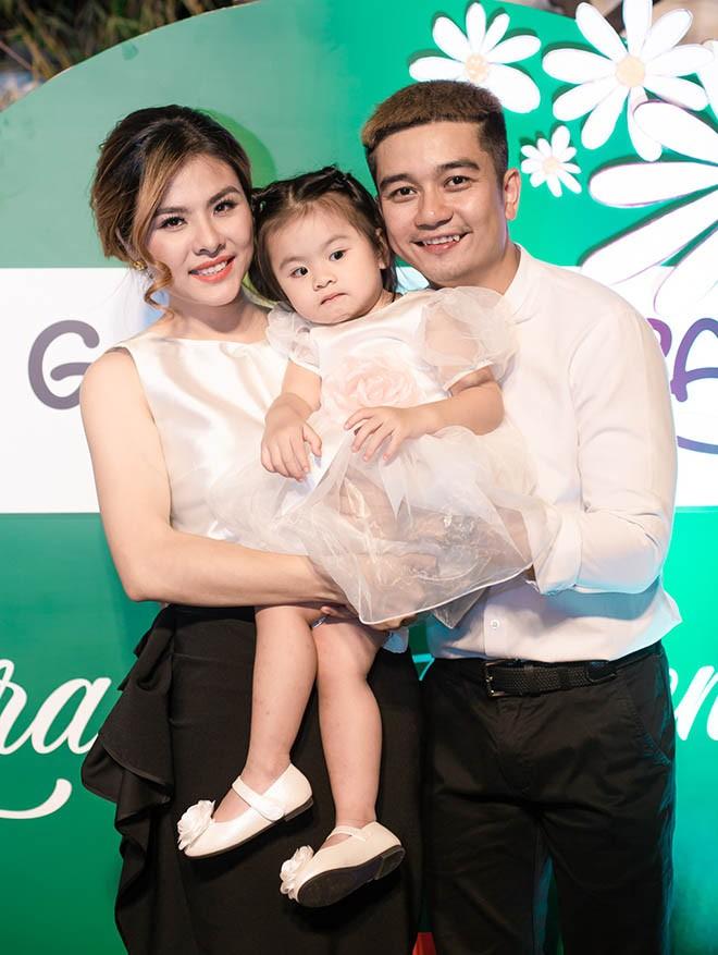 Chong dai gia cua Van Trang noi dieu bat ngo nay trong sinh nhat vo