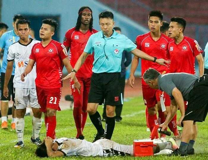 VFF se phat nguoi trong tai cung mot so thanh vien doi Hai Phong?