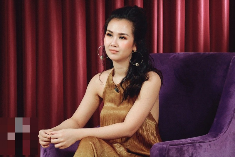 "Vo Ha Tram tiet lo su that hon nhan: ""Vo chong chua bao gio an chung bua com"""
