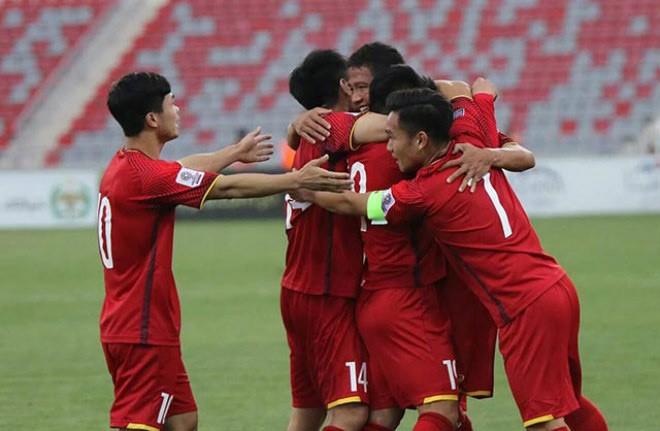 Viet Nam xep hang tren FIFA: Giat minh ket qua khong ngo