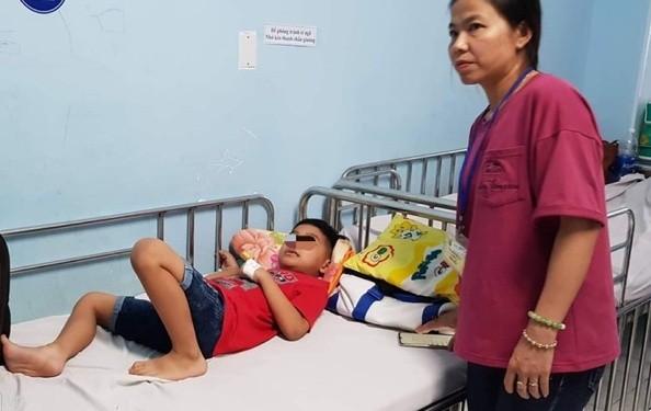 Tay Ninh: Hang chuc hoc sinh ngo doc khi di tham quan, nguyen nhan do dau?