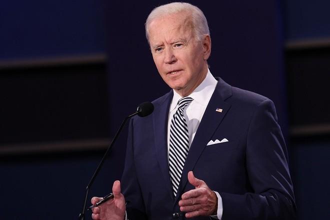 Vi sao ong Joe Biden luon dung khan bo tui sang mau?-Hinh-2