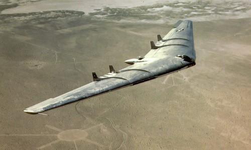 Bat ngo nguon goc sieu oanh tac co B-2 My