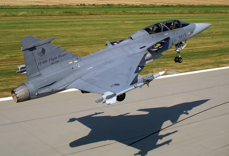 Ly do Viet Nam nen mua JAS 39 hon la F-16-Hinh-3