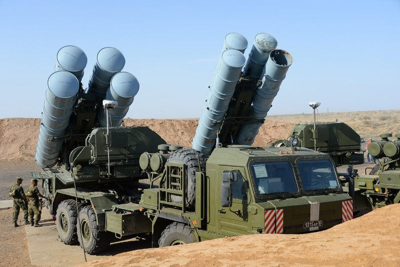 Kinh di: Ten lua S-300 moi cua Nga ban xa 400km-Hinh-5