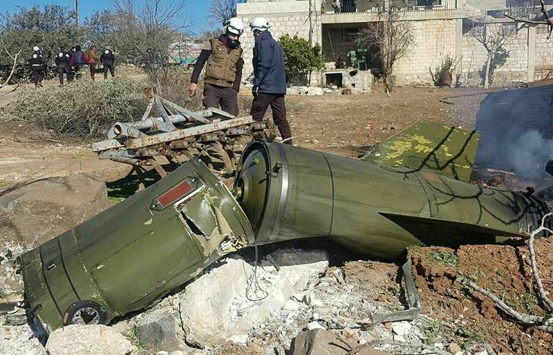 Quan doi Syria ban ten lua dan dao oanh tac Idlib
