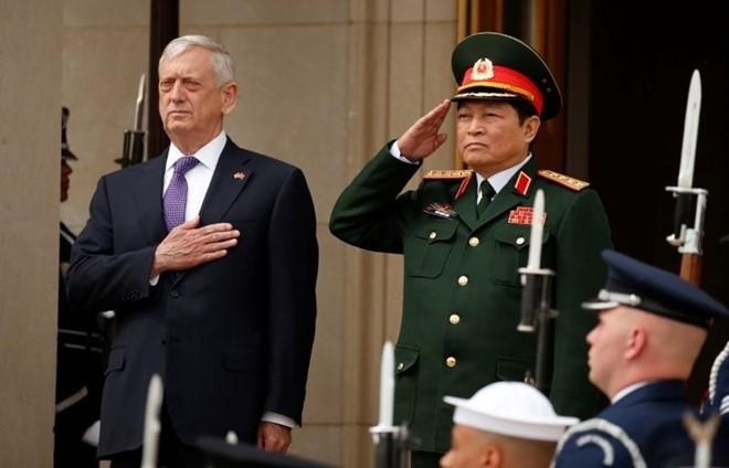 Nong: Tau san bay My tham Viet Nam vao nam toi