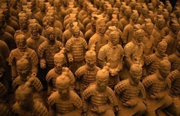 Đội binh lính đất nung trong Lăng mộ Tần Thủy Hoàng