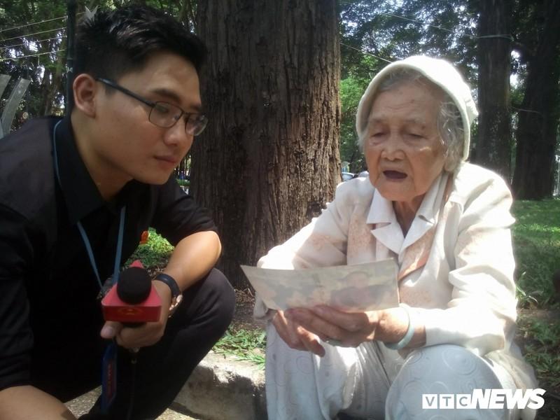 Xuc dong chia se cua nguoi dan den vieng nguyen Thu tuong Phan Van Khai-Hinh-2