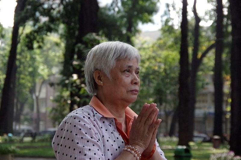Xuc dong chia se cua nguoi dan den vieng nguyen Thu tuong Phan Van Khai-Hinh-3