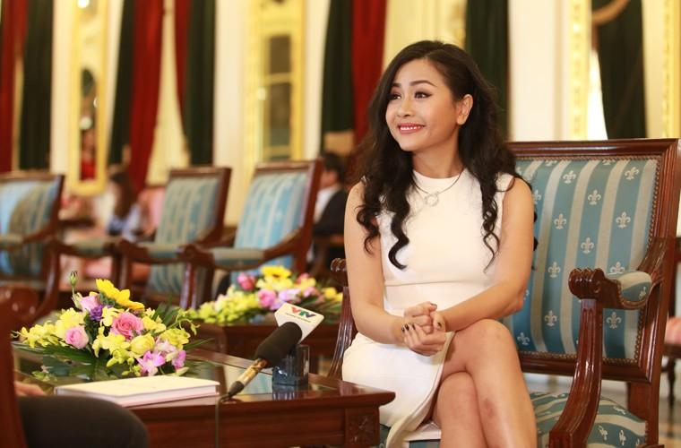 Nu doanh nhan Tran Uyen Phuong va