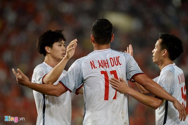 Doi tuyen Viet Nam 3-0 Lao: Chien thang xung dang cho thay tro Park Hang Seo-Hinh-3
