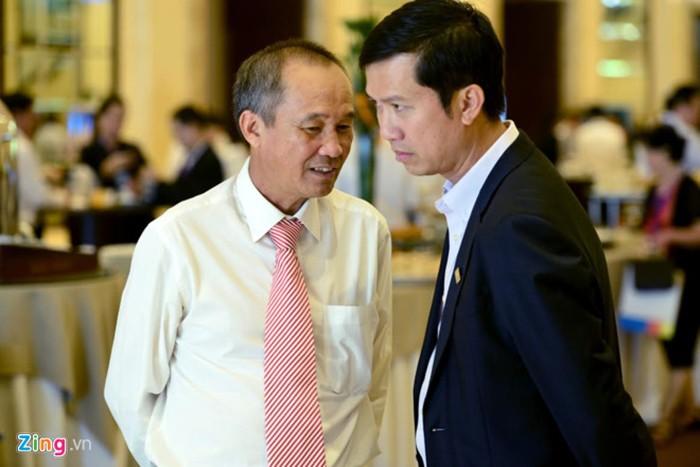 Ong Duong Cong Minh lam Chu tich Sacombank, doi dien 60.000 ty no xau