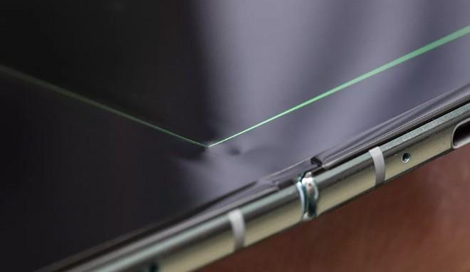 Dieu it biet ve Samsung Galaxy Fold hong man hinh gay xon xao-Hinh-2