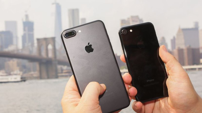 Dong iPhone nao co quyen