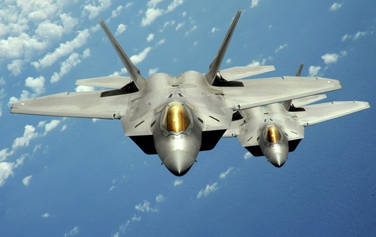 "F-22 My ""suyt"" ban ha Su-24 Syria"