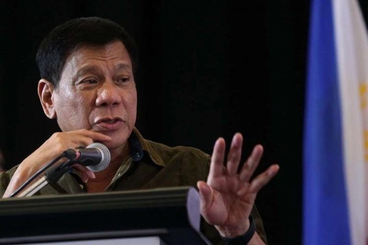 TT Duterte : Dam phan voi TQ phai dua tren phan quyet PCA