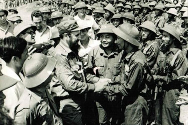Hoc gia Nga ca ngoi quan he dac biet Viet Nam-Cuba-Hinh-2