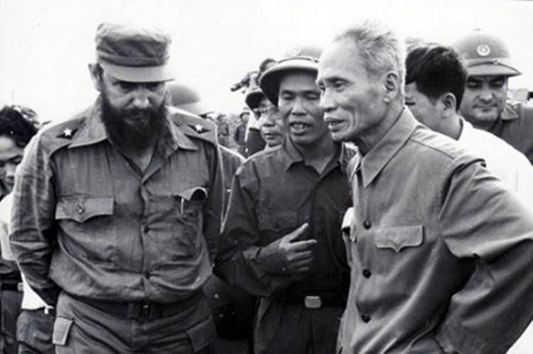 Hoc gia Nga ca ngoi quan he dac biet Viet Nam-Cuba