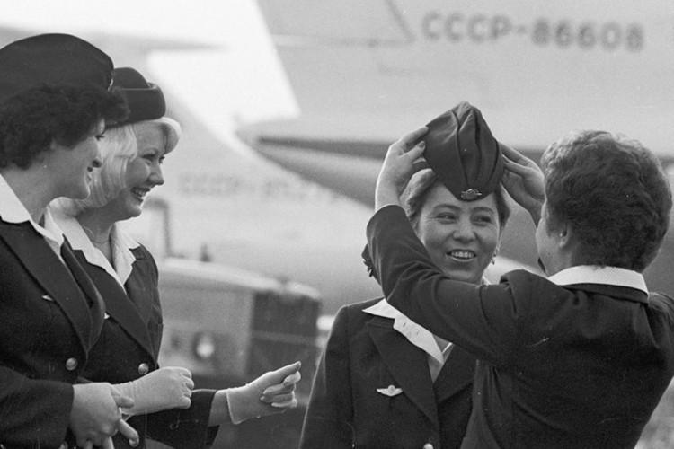 Ngam dan nu tiep vien lam nen thuong hieu Aeroflot-Hinh-2