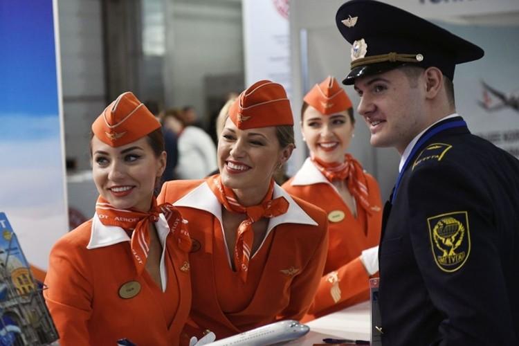 Ngam dan nu tiep vien lam nen thuong hieu Aeroflot-Hinh-3