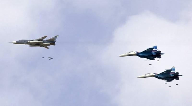 Chien dau co Nga va Syria triet ha xe cho dau IS