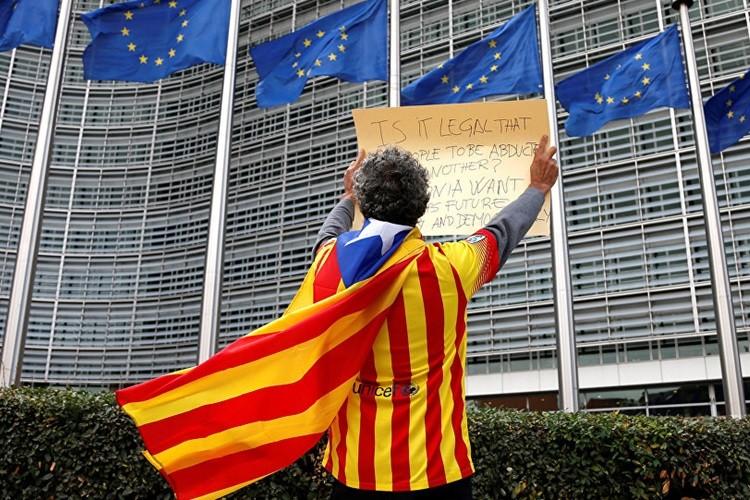 Xu Catalonia tuyen bo doc lap: Ca hai ben deu phai tra gia
