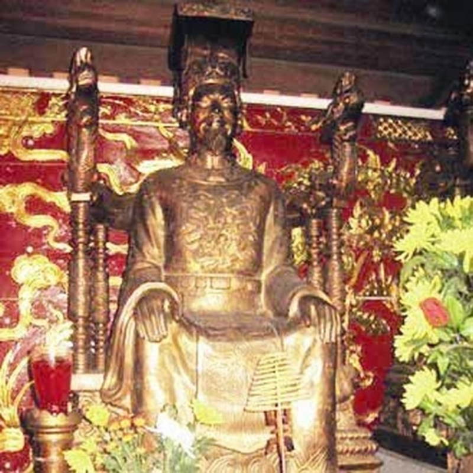Vi sao Tran Thai Tong dau dau uoc nguyen bo ngai vang di tu?